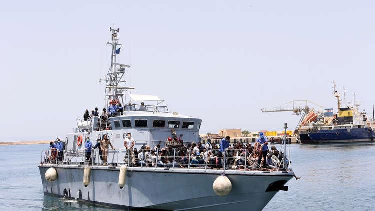 إنقاذ 276 مهاجرا غير شرعي قبالة السواحل الليبية