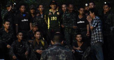 العثور على 12 طفلا ومدربهم بعد 9 أيام من الاختفاء داخل كهف بتايلاند