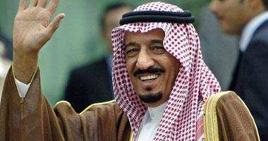 الملك سلمان يصل مدينة نيوم لقضاء إجازته بها