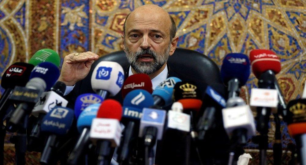 رئيس الوزراء الأردني يكشف عن