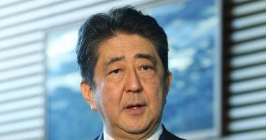 رئيس وزراء اليابان يصل مدينة فلاديفوستك لإجراء محادثات مع بوتين