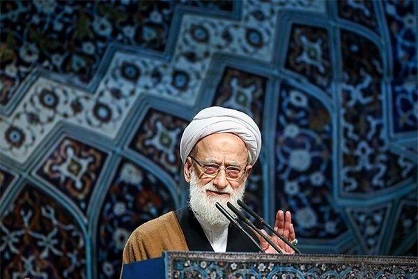 خطيب جمعة طهران: العدو يشن الحرب الإعلامية ليخلق شرخا بين الشعب والنظام