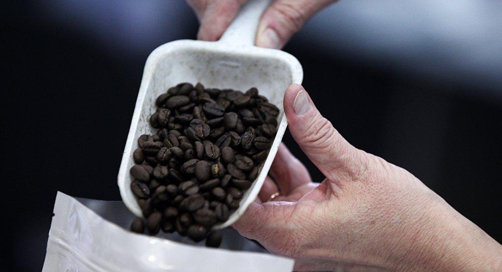 اكتشاف برميل من القهوة في القطب الشمالي يعود لعام 1902