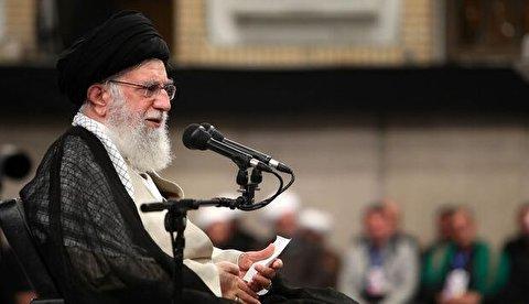 قائد الثورة: إذا ماثبتم على طريق الحق سيصطلح حال بلادنا والعالم أجمع