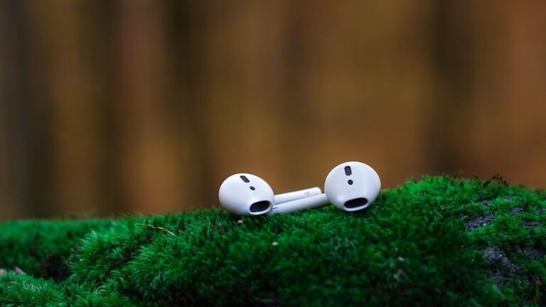 حقيقة مقززة لما يحصل داخل أذنيك عند استخدامك السماعات!