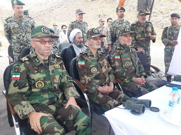 بدء مناورات برية مفاجئة للجيش الايراني شمال غرب البلاد