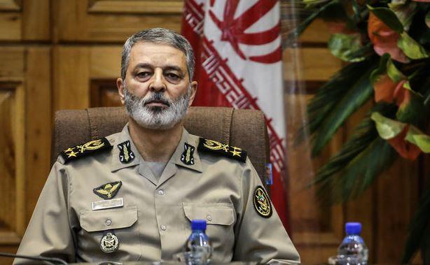 اللواء موسوي: الدفاع الجوي مكلف بحماية سماء إيران من أي جسم طائر