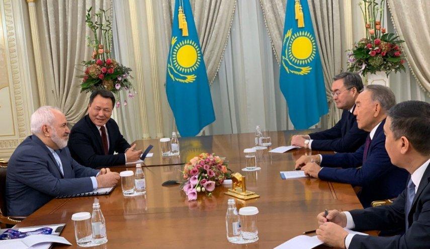 ظريف يبحث مع نزارباييف القضايا ذات الاهتمام المشترك