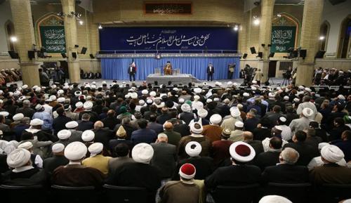 المشاركون بمؤتمر الوحدة يلتقون قائد الثورة الاسلامية