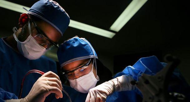 ایران تنتج جهاز قص كهربائي للعمليات الجراحية