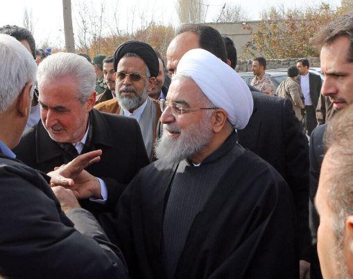 روحاني: الحکومة ستقف وبكل قواها الى جانب المتضررين من الزلزال