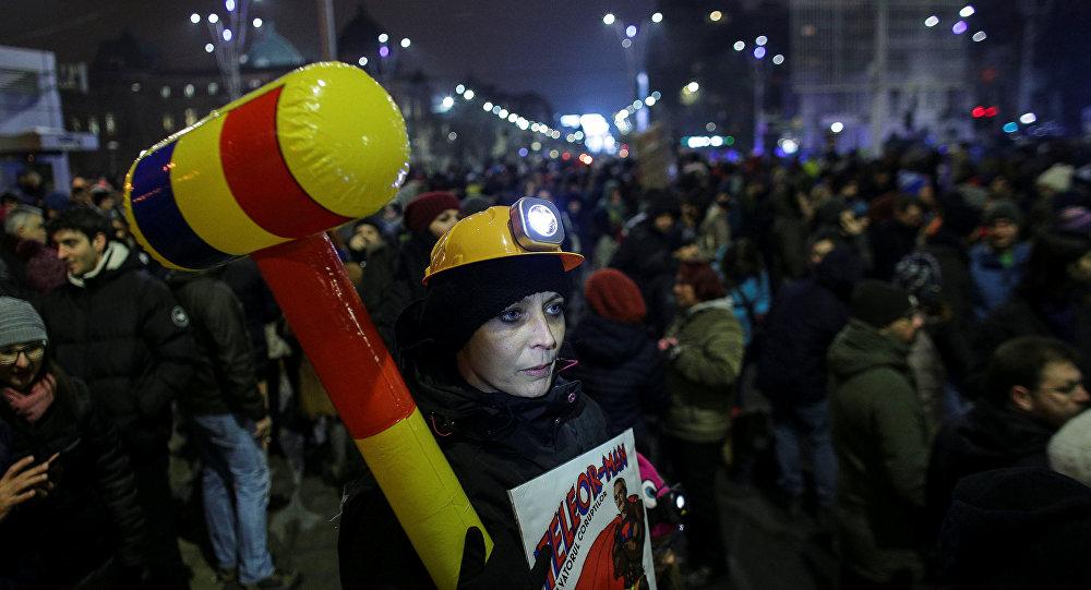 خروج الآلاف في رومانيا احتجاجا على قطع الأشجار