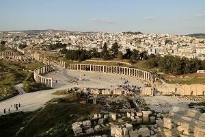 الشرطة الأردنية: طعن عدد من السياح في مدينة جرش