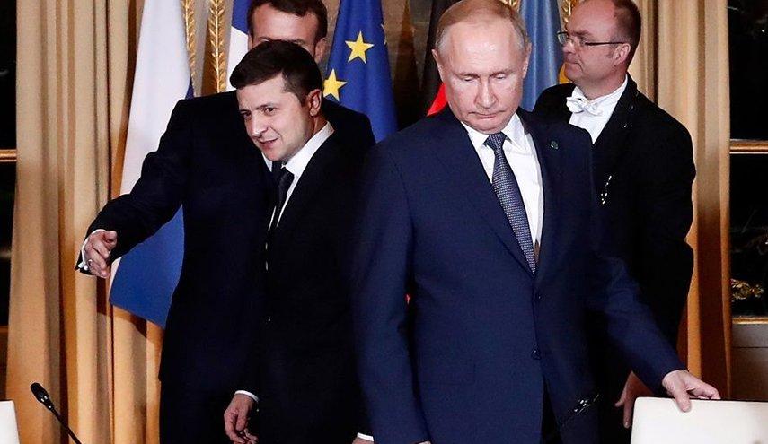 بوتين يدعو لتغيير دستور أوكرانيا في ختام قمة النورماندي في باريس