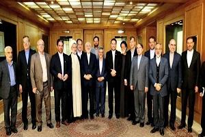 ظريف يبحث مع برلمانيين تطورات السياسة الخارجية وخاصة الاتفاق النووي