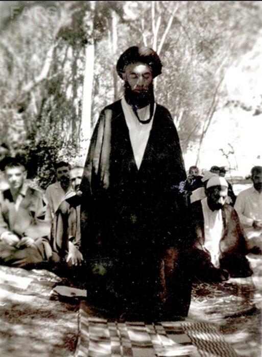 ایة الله دستغیب..معلم الاخلاق وشهيد المحراب