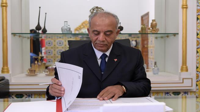 ما هو دور الشاهد في أزمة تشكيل الحكومة التونسية؟