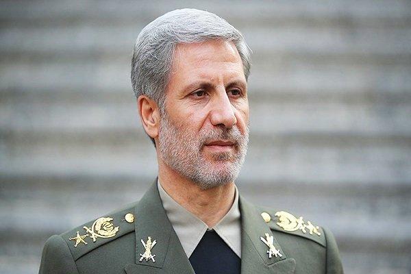 وزير الدفاع الايراني: العدو لايطيق تطورنا العلمي