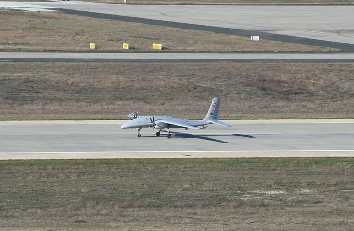 تركيا تجري أول اختبار طيران