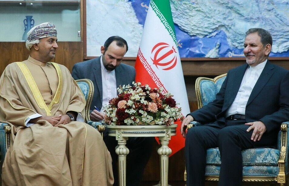 جهانغیري: ايران لاترى حدودا لتنمية علاقات التعاون مع سلطنة عمان