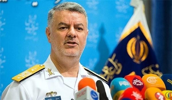 قائد القوة البحرية الايرانية: العالم لا يمكنه ان يتجاهل الامتيازات الكبرى لإيران الاسلامية