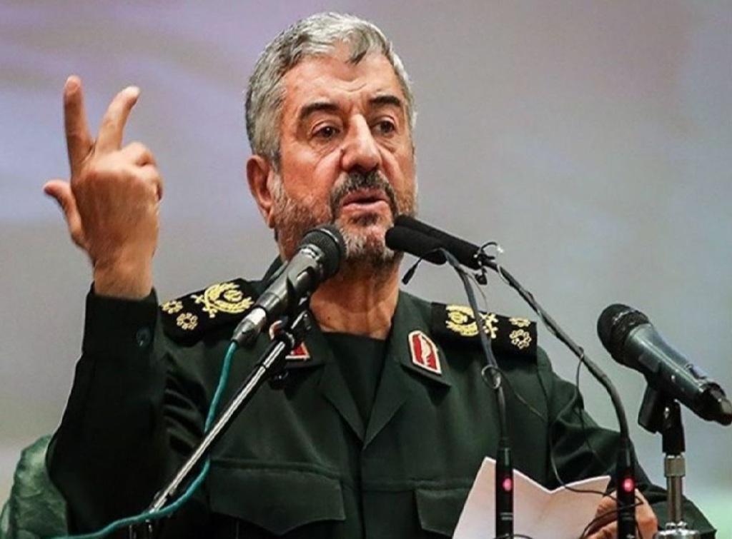 اللواء جعفري: انجازات الثورة الاسلامية لا يمكن حصرها في مجالي الأمن والدفاع
