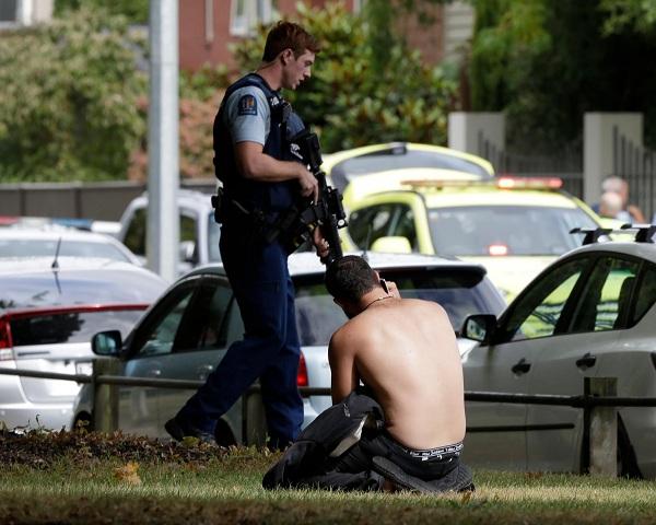رئيسة الوزراء نيوزيلاندا: مقتل 40 شخصا في الهجوم على المسجدين