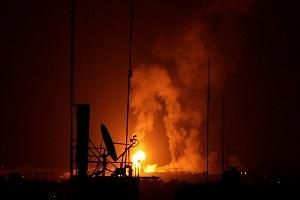 إسرائيل تستهدف 100 موقع داخل قطاع غزة ردا على إطلاق صاروخين تجاه تل أبيب
