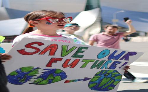 صور.. تظاهرات حول العالم لحث الحكومات على إنقاذ الكوكب بسبب تغيرات المناخ