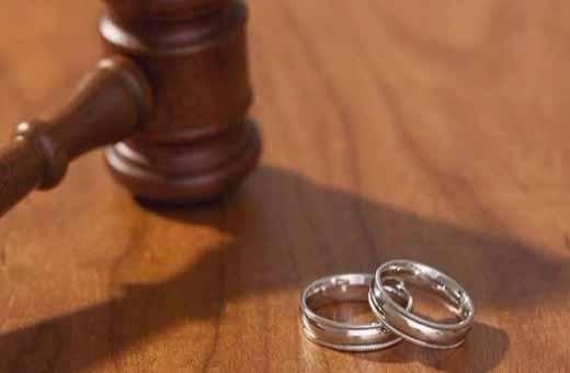 امرأة تطلب الطلاق بسبب غریب جدا!