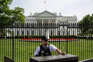 البيت الأبيض: ترامب قرر عدم تمديد إعفاء بعض الدول من عقوبات النفط الإيراني