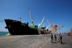 رويترز: الحوثيون شرعوا في الانسحاب من ميناء الحديدة بمراقبة أممية