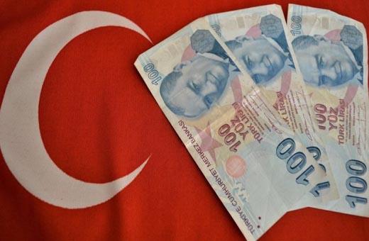 الضبابية السياسية في تركيا تدفع الليرة للهبوط مجددا
