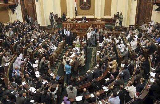 البرلمان المصري يناقش موازنة قطاعي الصحة والسكن