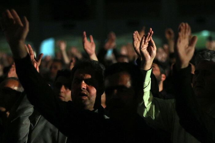 ايران تحيي ذكرى استشهاد الامام علي (ع)+بالصور