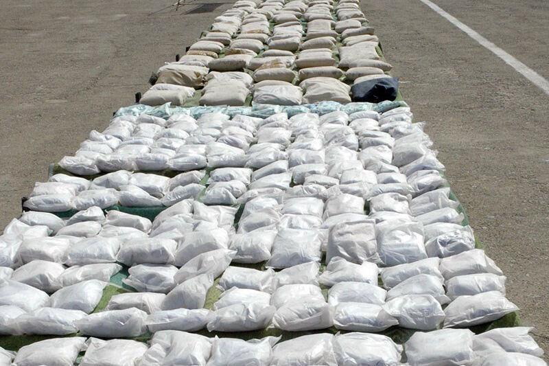 ضبط طنين و518 كيلوغراما من المخدرات في جنوب شرق ايران
