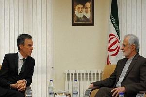 خرازي: ايران حازمة في تجميد تنفيذ جزء من التزاماتها ضمن الاتفاق النووي