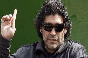 محتجز فى ألبانيا بتهمة الإرهاب يدعى أنه دييجو مارادونا