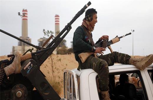 تدفق أسلحة جديدة إلى ليبيا برعاية تركية وإماراتية