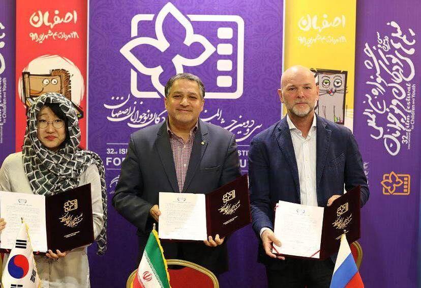 التوقيع على اتفاقية للتعاون السينمائي بين ايران وروسيا وكوريا الجنوبية