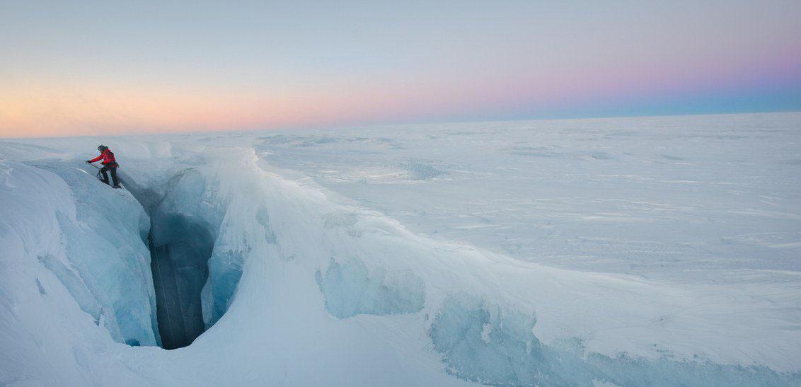 الأعلى على مر التاريخ.. ذوبان 11 مليار طن من الجليد بجزيرة جرينلاند ...صور
