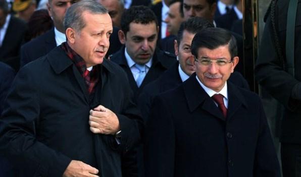 الديمقراطية على النمط التركي: حزبٌ يطرد زعيمه!