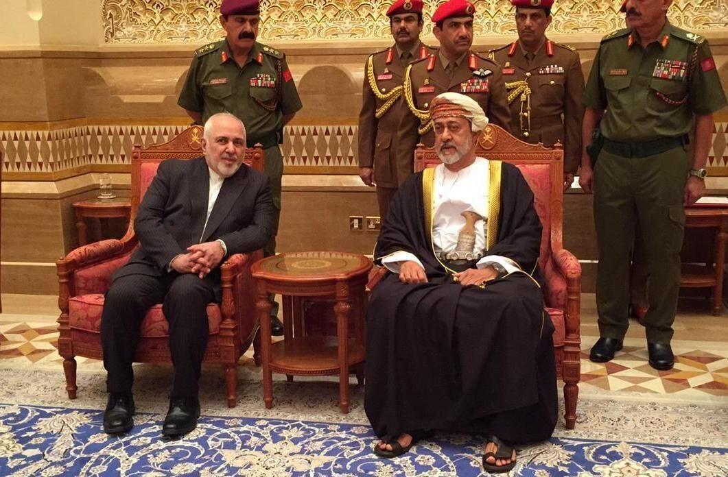 ظريف يلتقي سلطان عمان الجديد