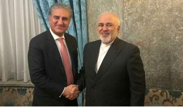 وزيرا خارجية ايران وباكستان يجريان مباحثات بشأن خفض التوترات في المنطقة