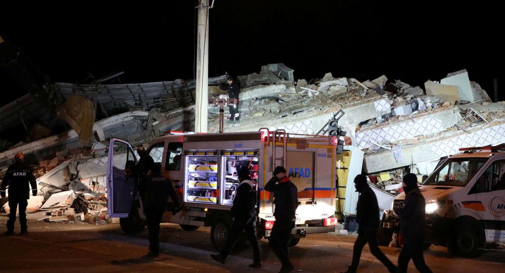 ارتفاع حصيلة ضحايا زلزال تركيا إلى 35 قتيلا