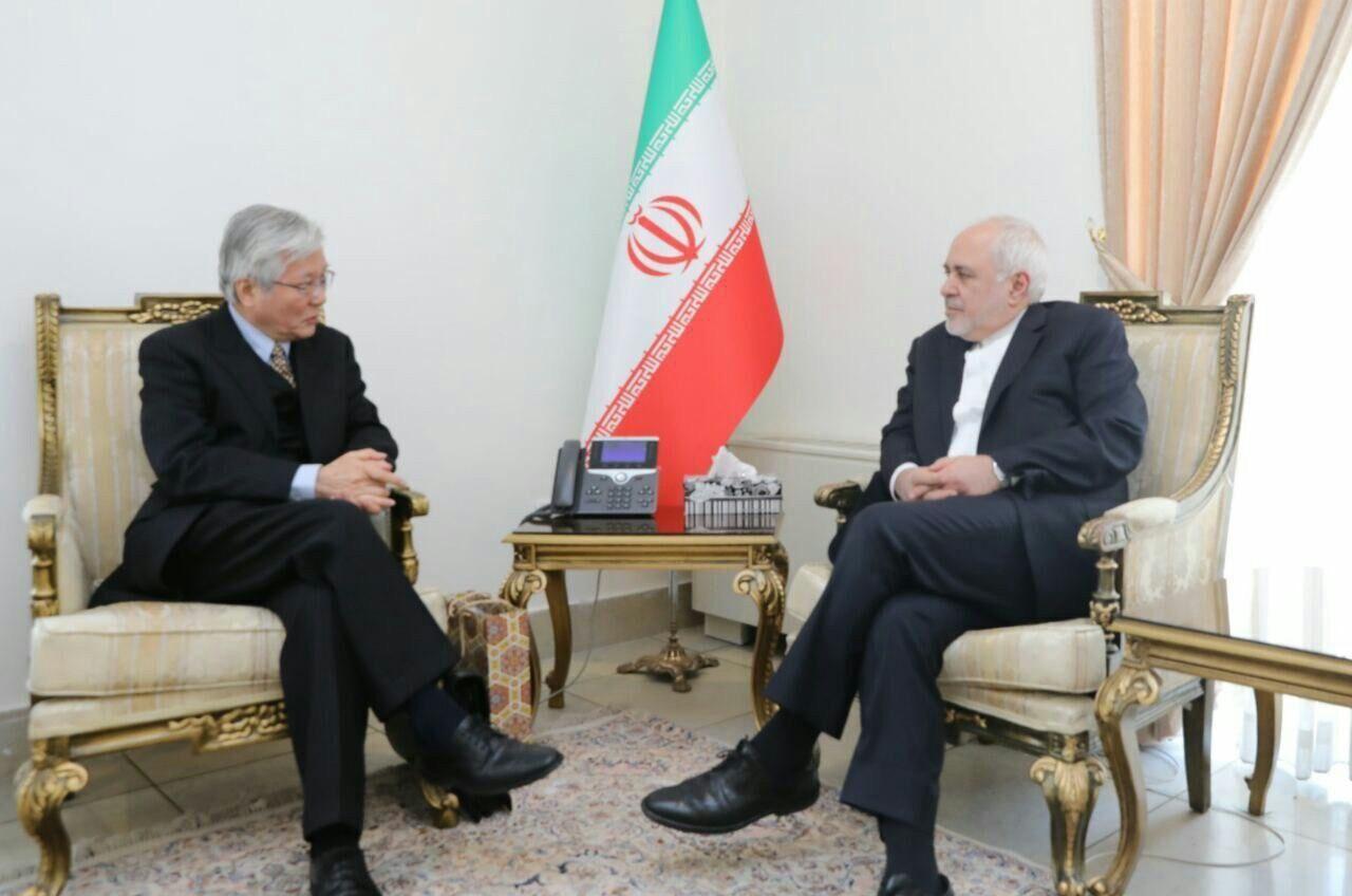 ظريف يؤكد دعم إيران لعملية السلام في أفغانستان باشراف الحكومة فيها