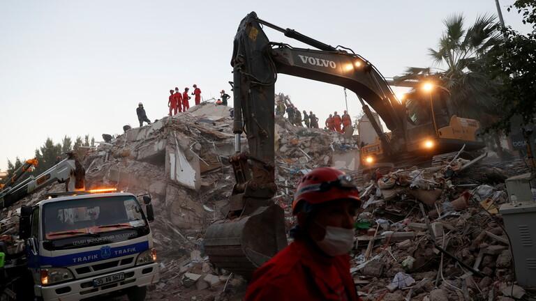 ارتفاع عدد قتلى زلزال إزمير في تركيا إلى 51 شخصا مع استمرار عمليات البحث والإنقاذ