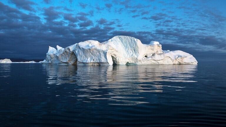اكتشاف نهر تحت جبال الجليد في غرينلاند