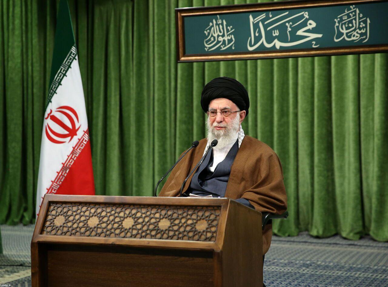 قائد الثورة الاسلامية: التعبئة هبة إلهية للشعب الايراني