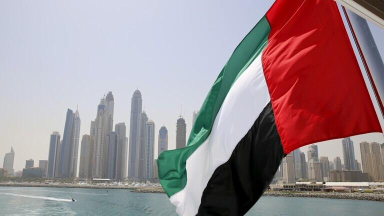 الإمارات تعلق منح تأشيرات لمواطني 13 دولة معظمها عربية وإسلامية